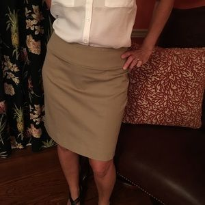 Banana Republic skirt size 6